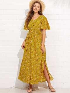 Flutter Sleeve Slit Side Daisy Print Dress