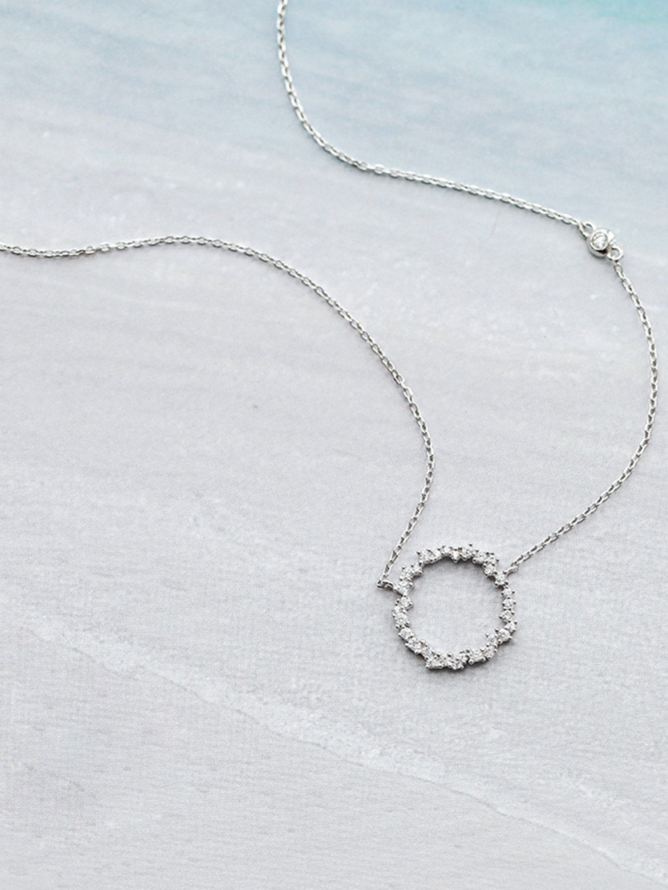 Rhinestone Decorated Ring Pendant Chain Necklace