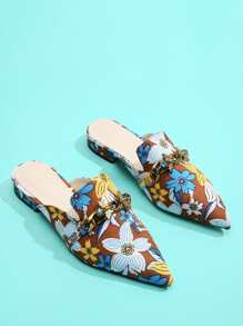 Bee Detail Calico Print Pointed Toe Flats