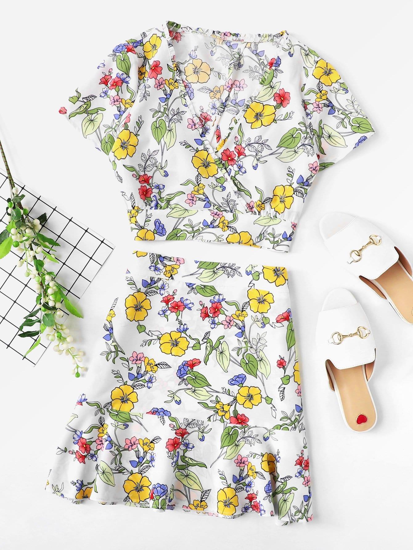 Купить Комплект топ с запахом в цветочек и юбка с оборками, null, SheIn