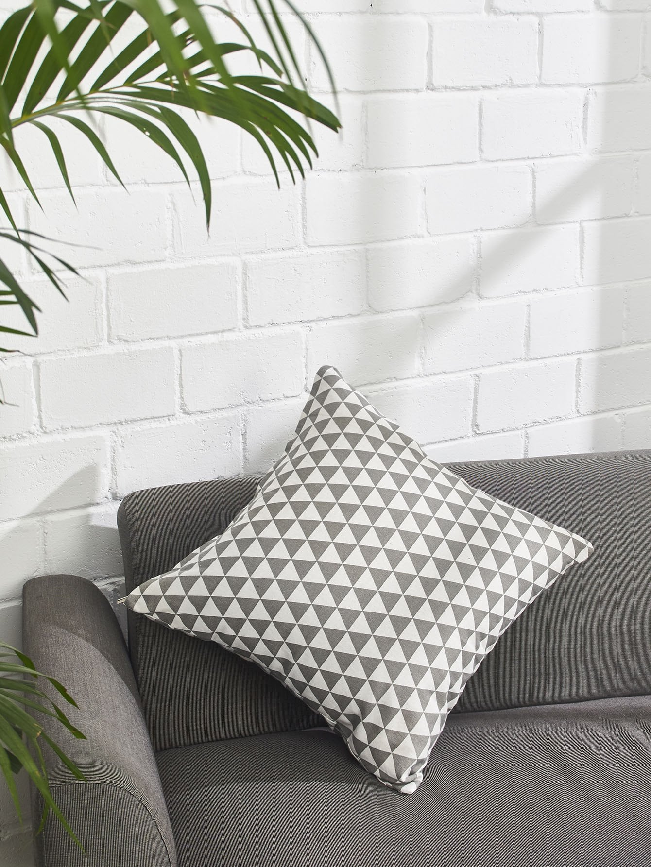 Allover Geometric Print Pillowcase Cover allover grid print pillowcase cover
