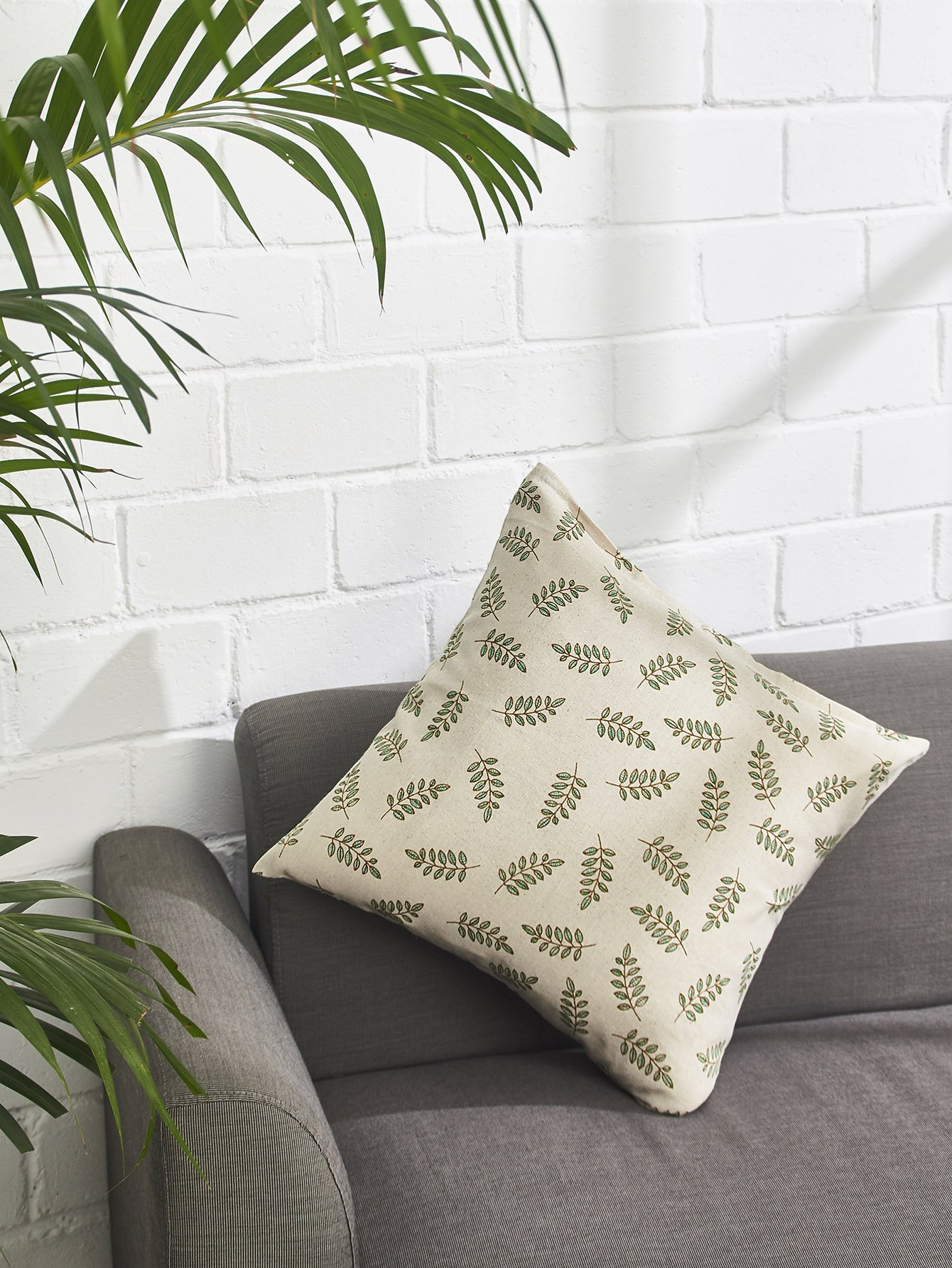 Allover Leaf Print Pillowcase Cover allover grid print pillowcase cover
