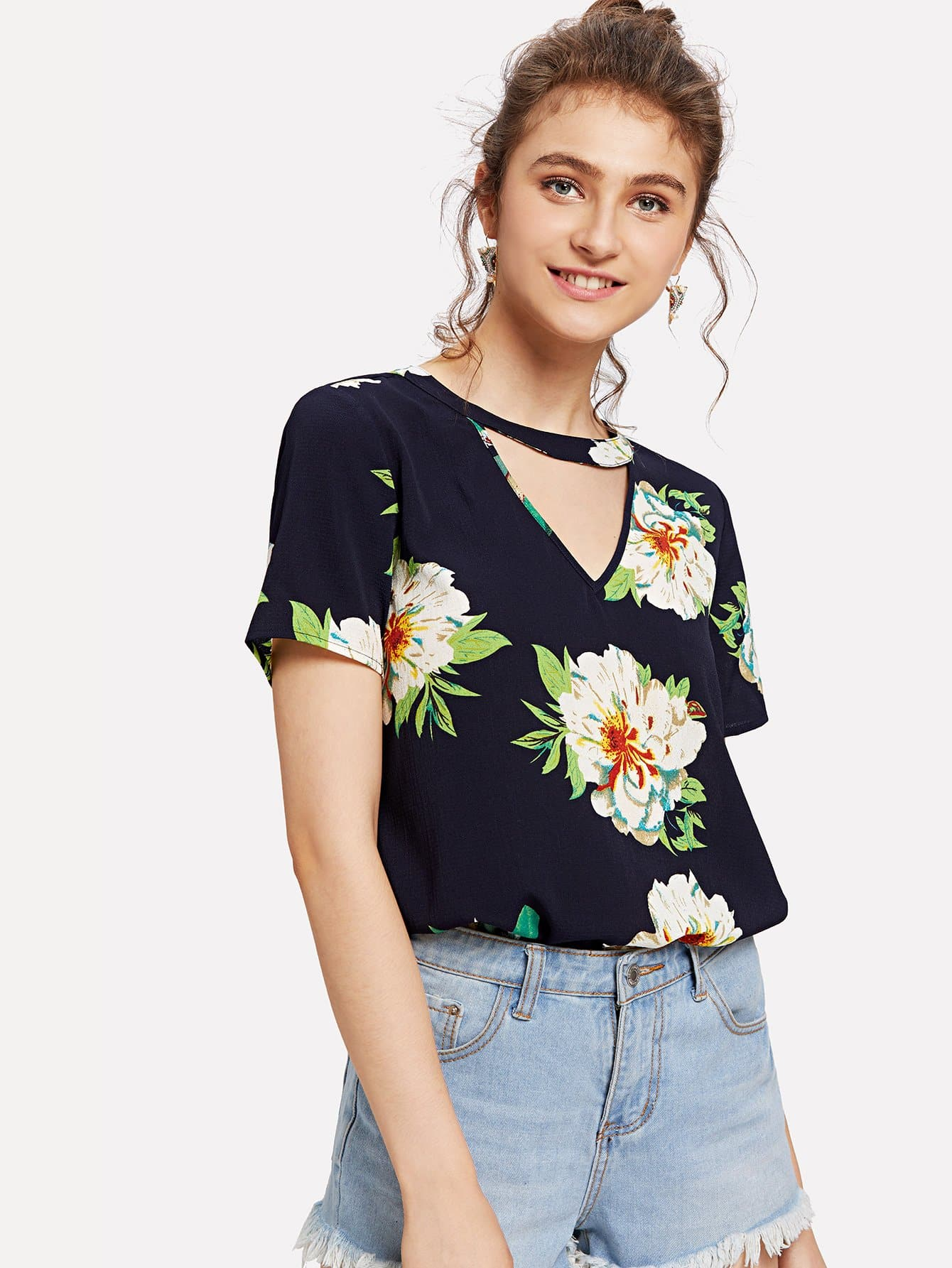 V Cut Neck Keyhole Back Floral Top рубашка huf floral s s woven salmon floral