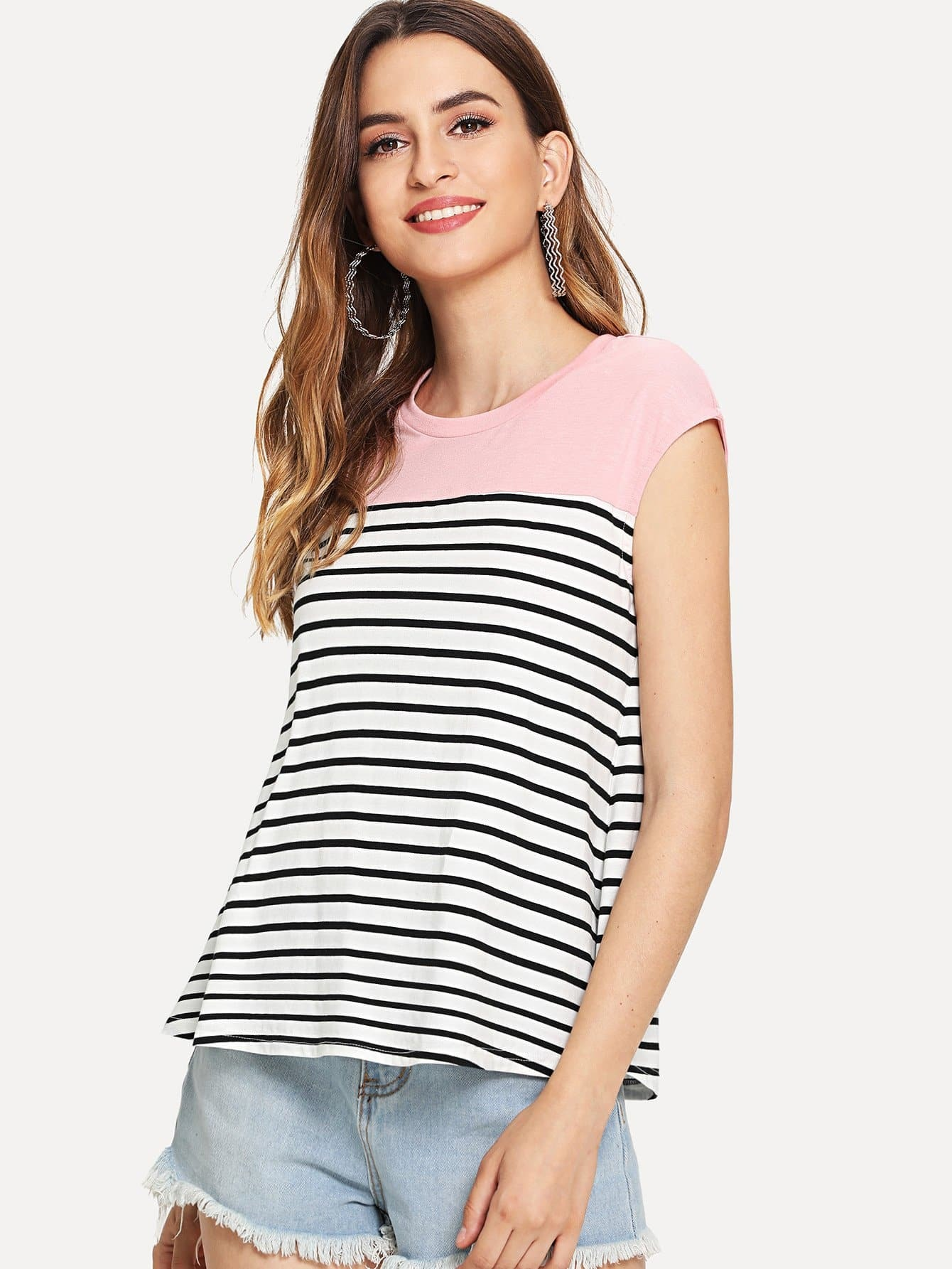 Contrast Shoulder Striped T-shirt зимняя шина kumho i zen kw27 225 40 r18 92v xl н ш