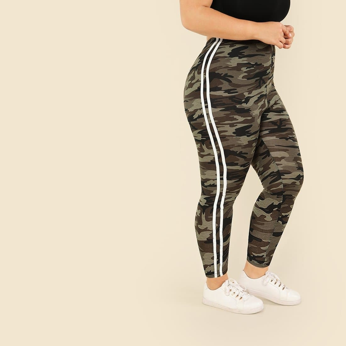 Plus Camouflage print leggings met contrasterende zijstreep