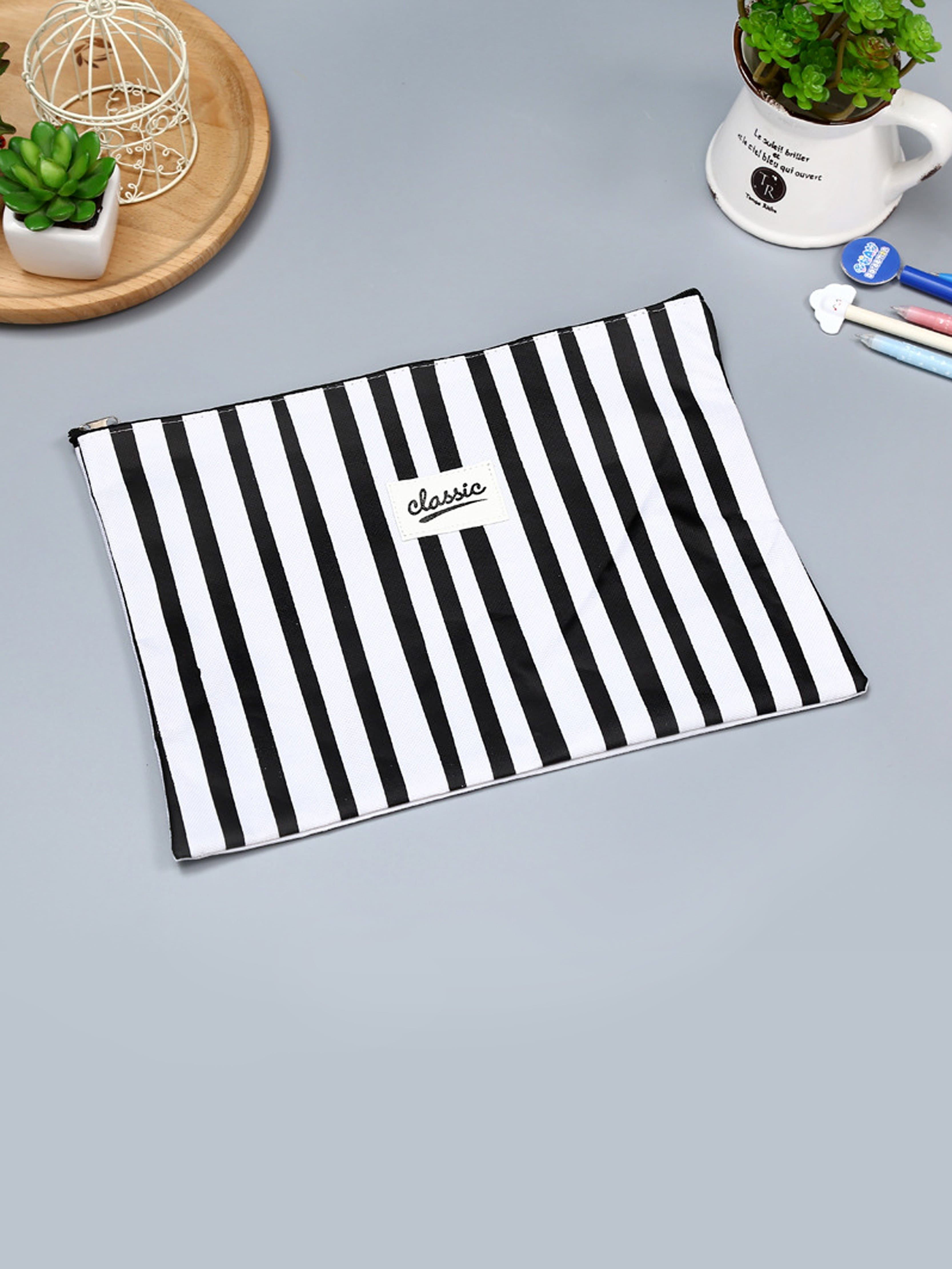 Фото Block Striped File Holder