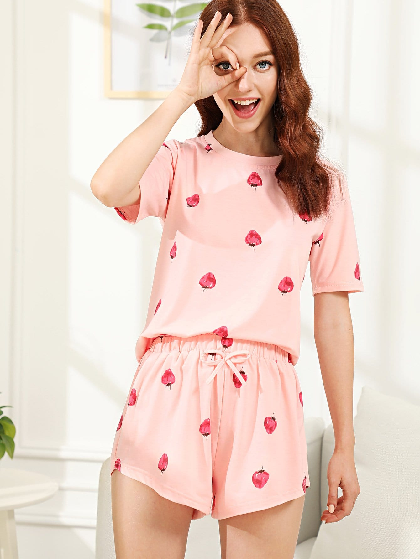 Купить Комплект пижамы топ с принтом клубники и шорты, Poly, SheIn