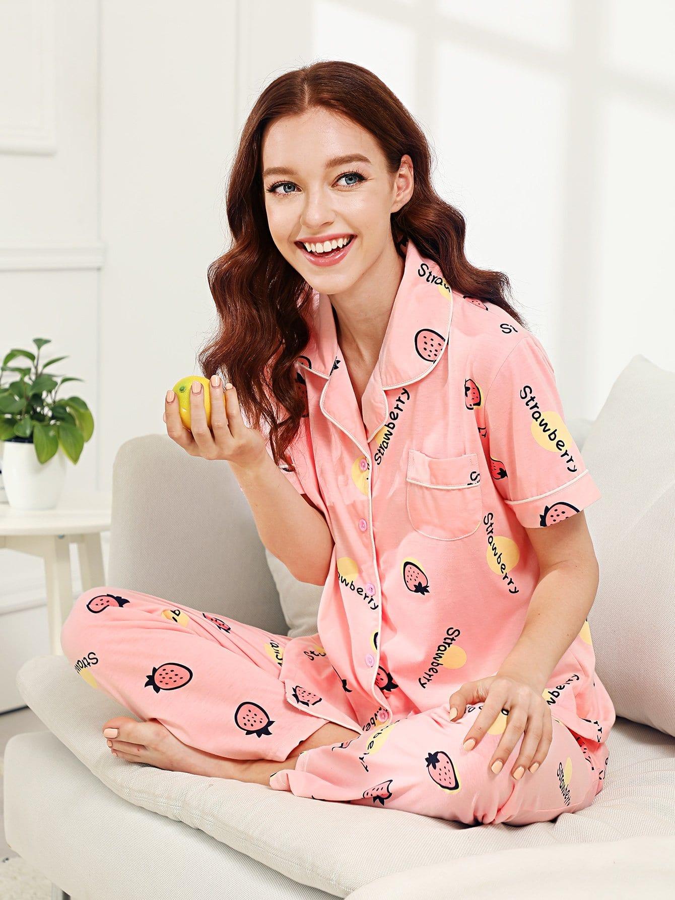 Купить Комплект пижамы рубашка с принтом клубники и брюки, Poly, SheIn
