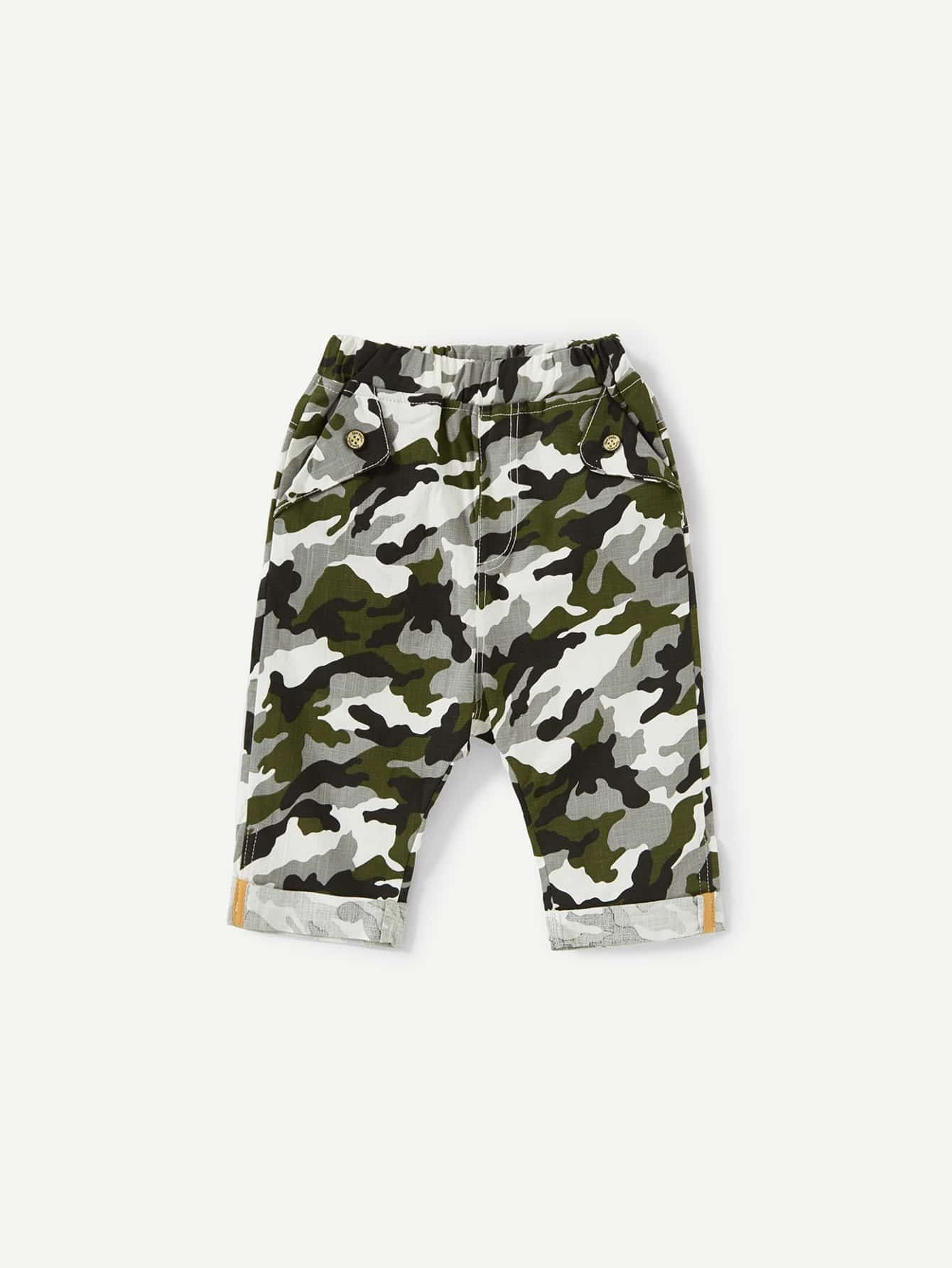 Letter Print Cuffed Camo Shorts