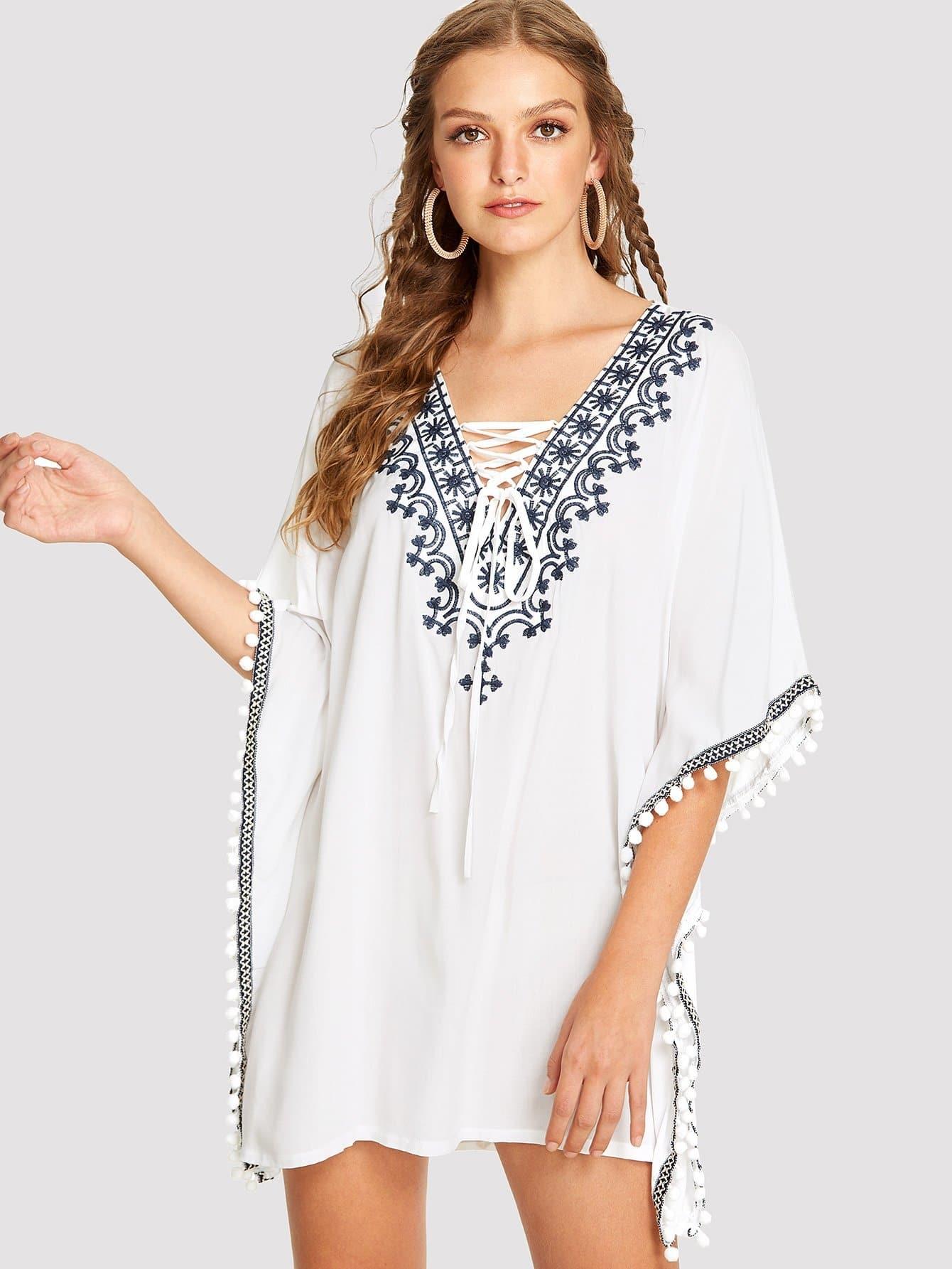 Купить Платье пончо с помпонами и вышивкой, Luiza, SheIn