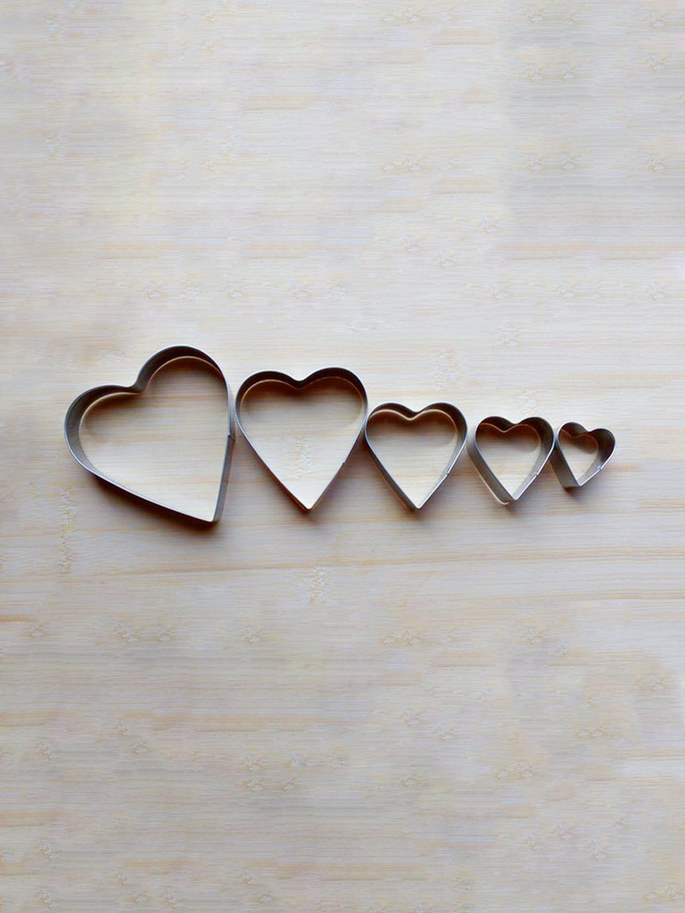 Stainless Steel Heart Cookie Cutter 5pcs stainless steel abs chrysanthemum circle shaped spring cookie cutter green silver