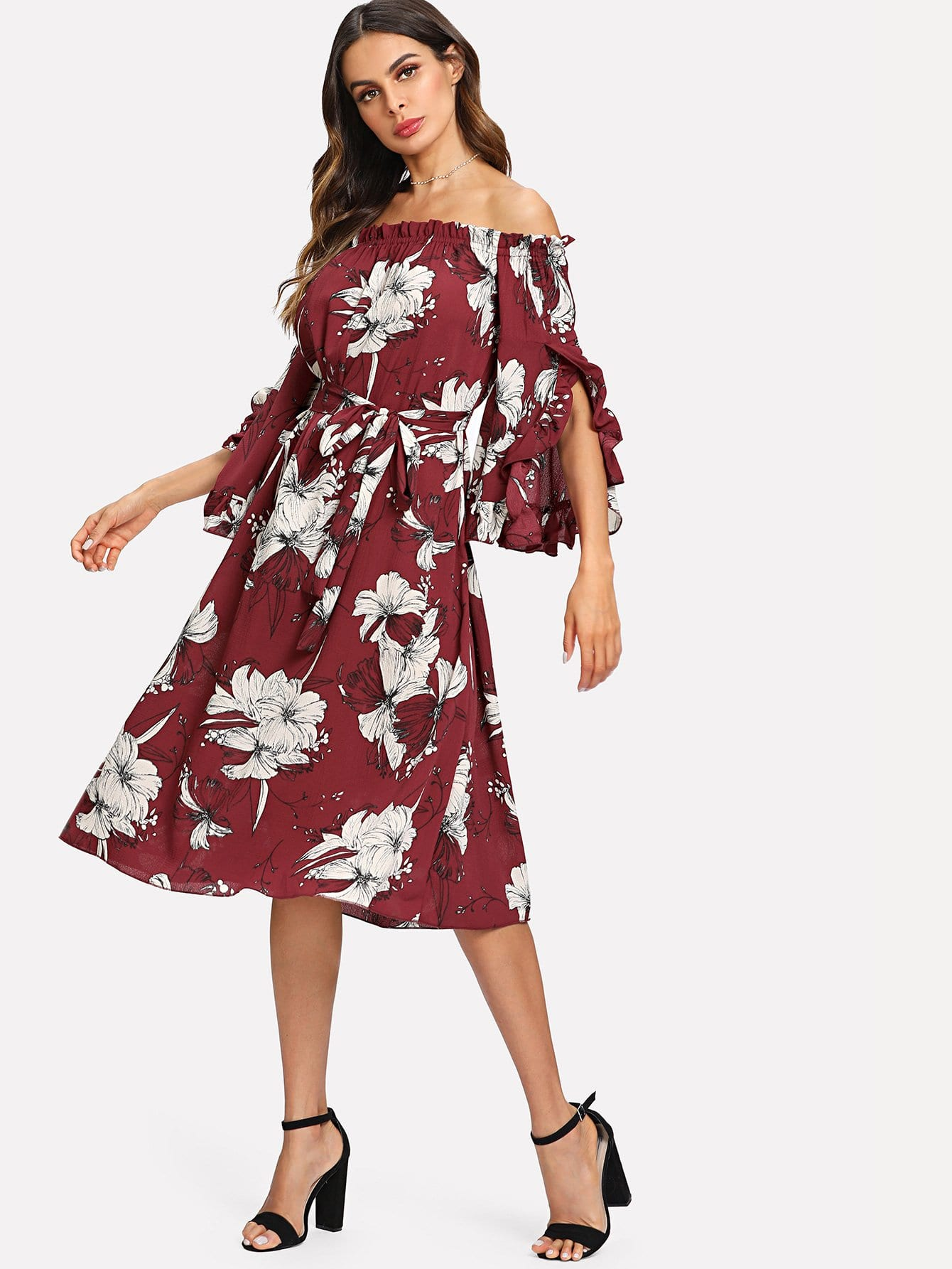 цена на Exaggerated Ruffle Sleeve Off Shoulder Floral Dress