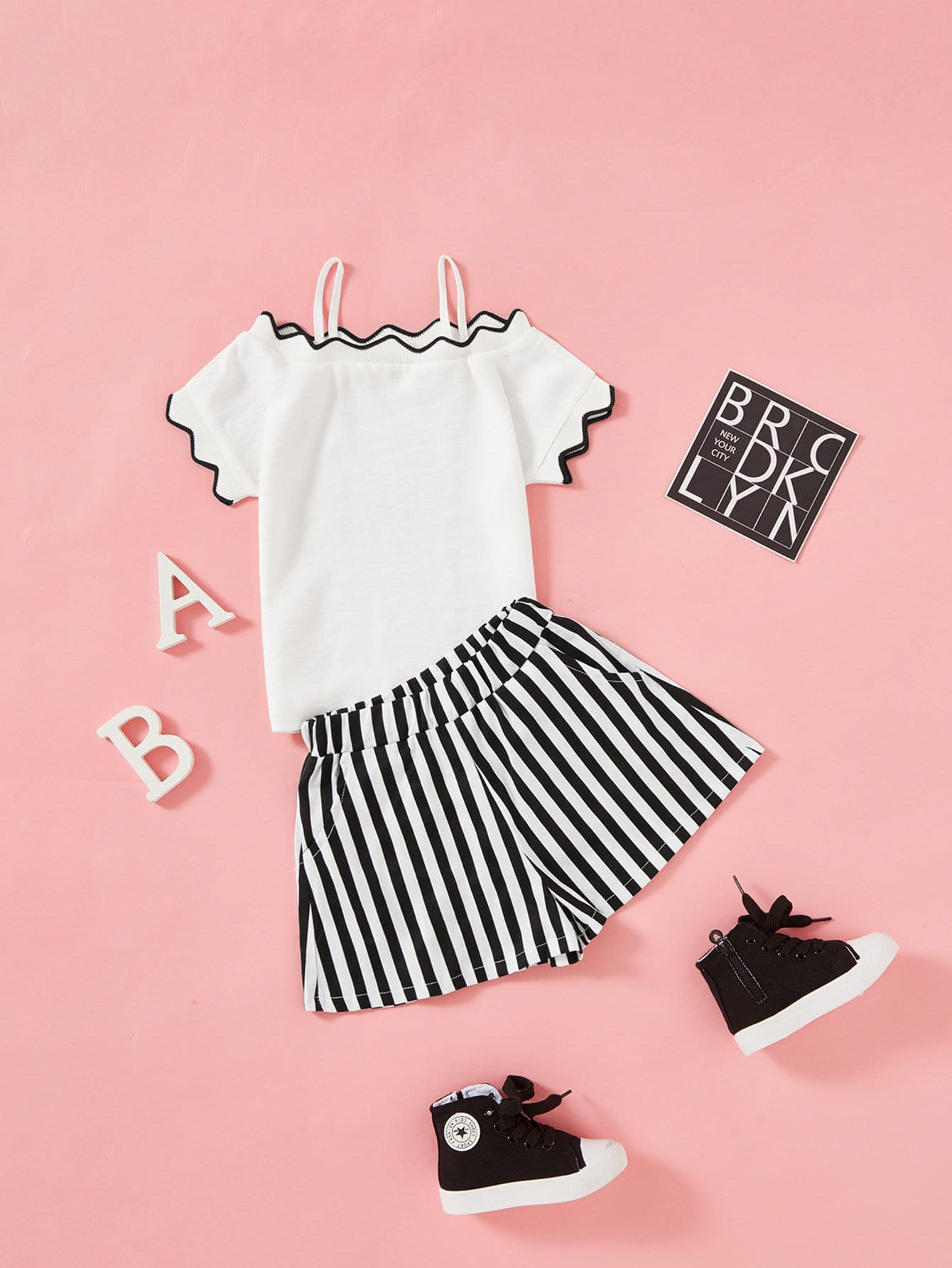 Girls Contrast Trim Ribbed Tee With Striped Shorts