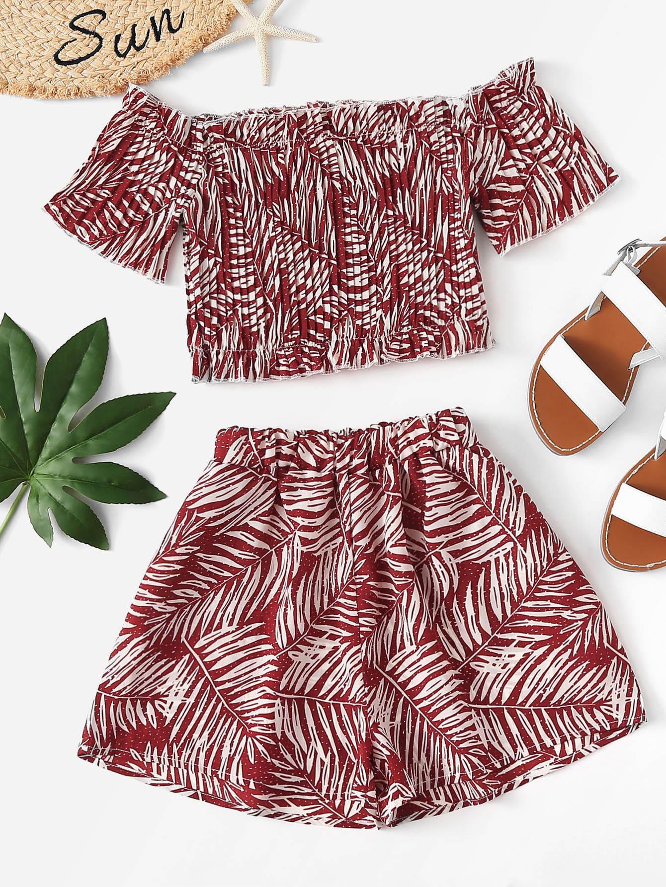 Off Shoulder Leaf Print Crop Top With Shorts