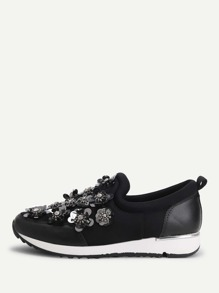 Flower Decorated Low Top Sneakers
