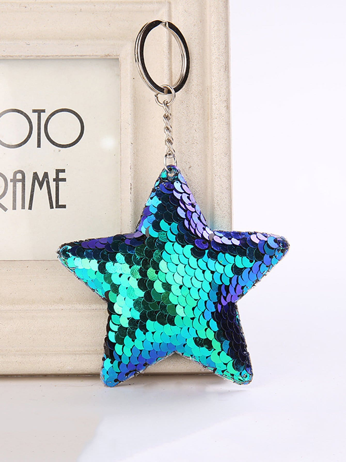 Sequins Decorated Star Keychain