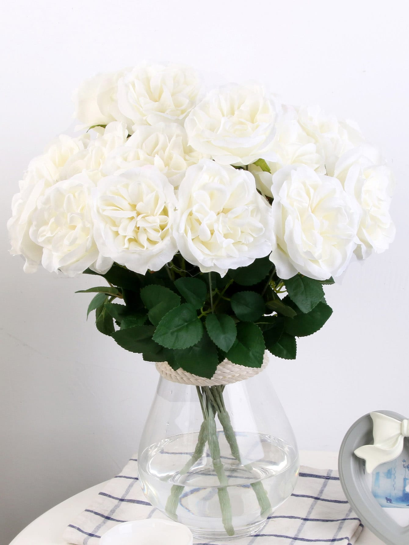 Artificial Flower Bunch With 7pcs Rose цены