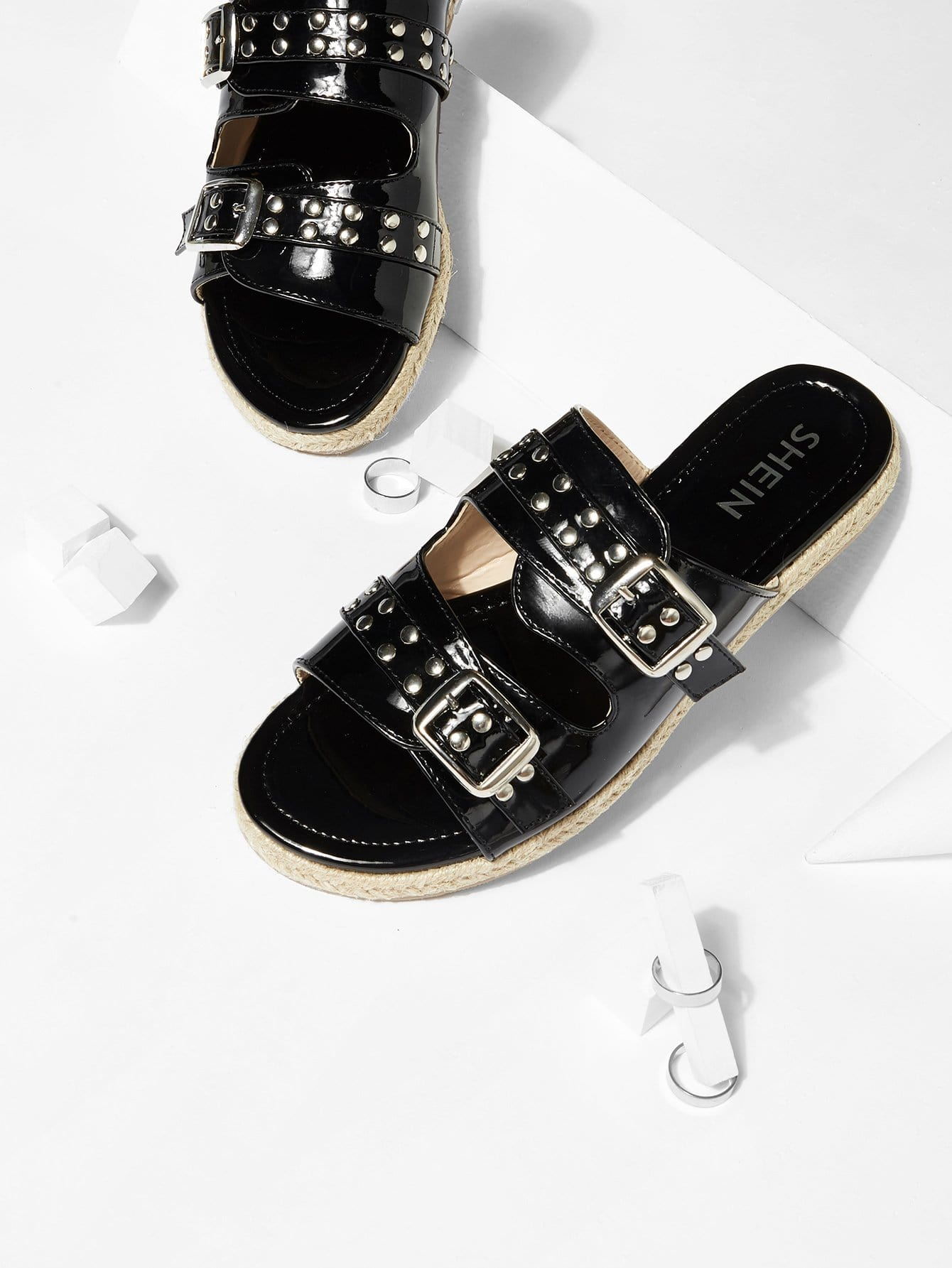 Buckle Design PU Flat Sandals цена 2017