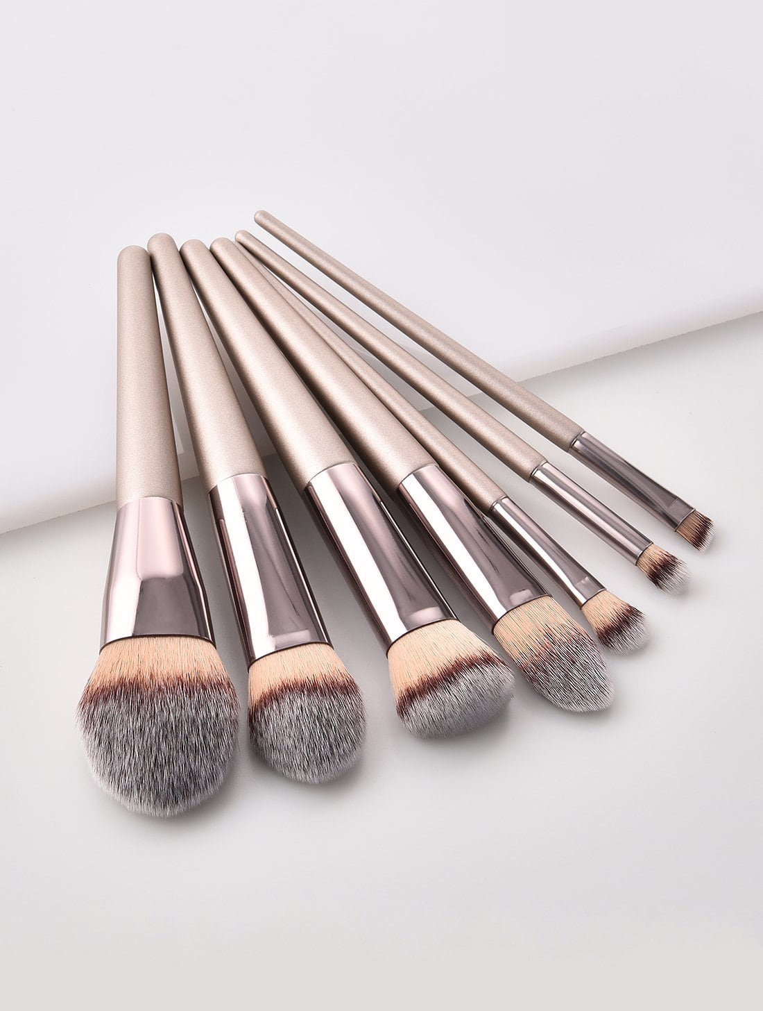 Metallic Handle Makeup Brush 7pcs ombre hook handle makeup brush 7pcs