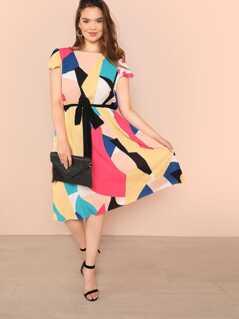 Plus Contrast Waist Color Block Dress