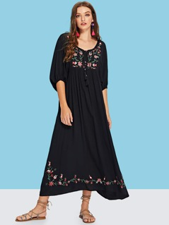 Tassel Tie Flower Embroidered Dress