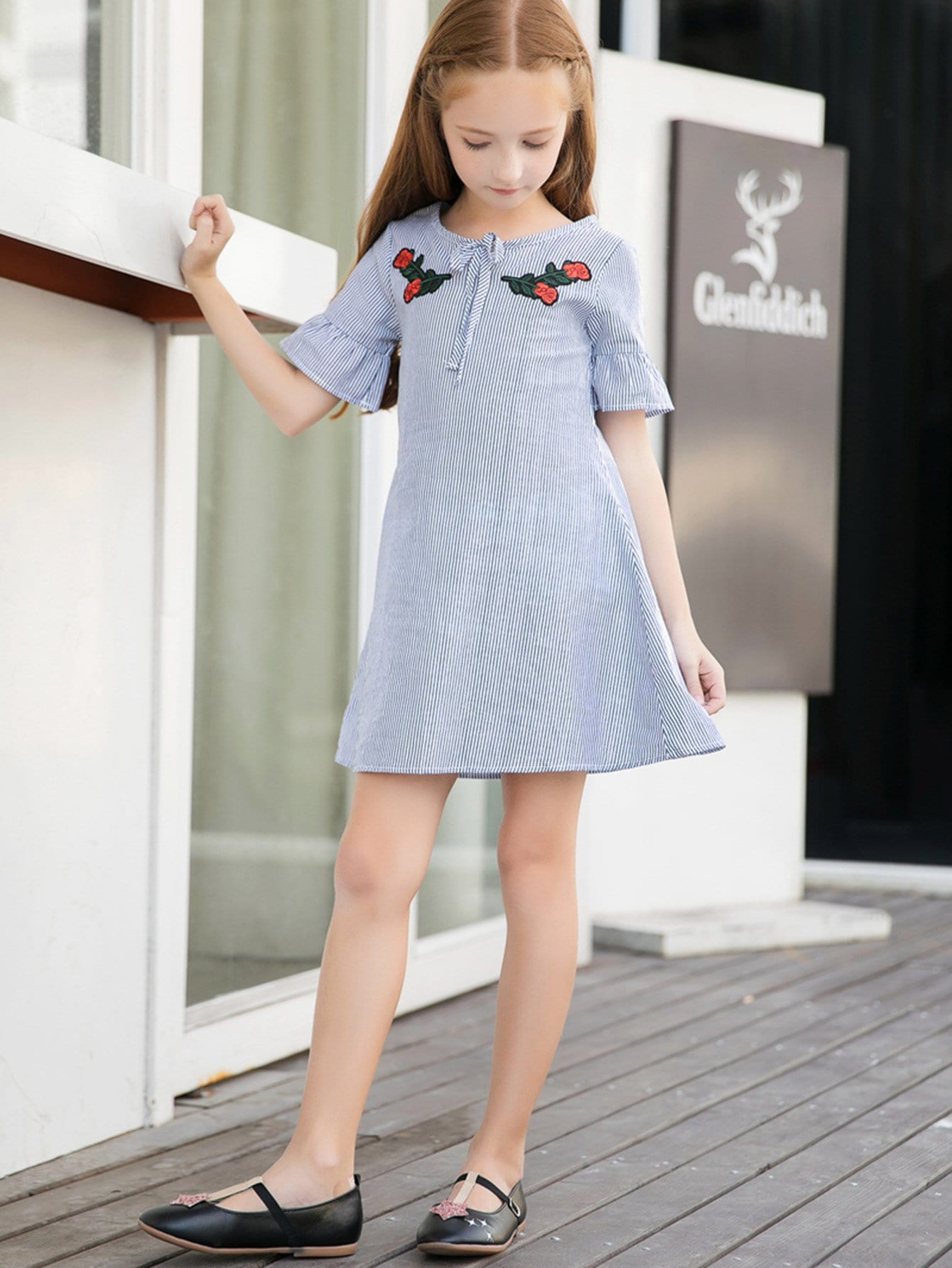 Girls Knot Front Appliques Striped Dress