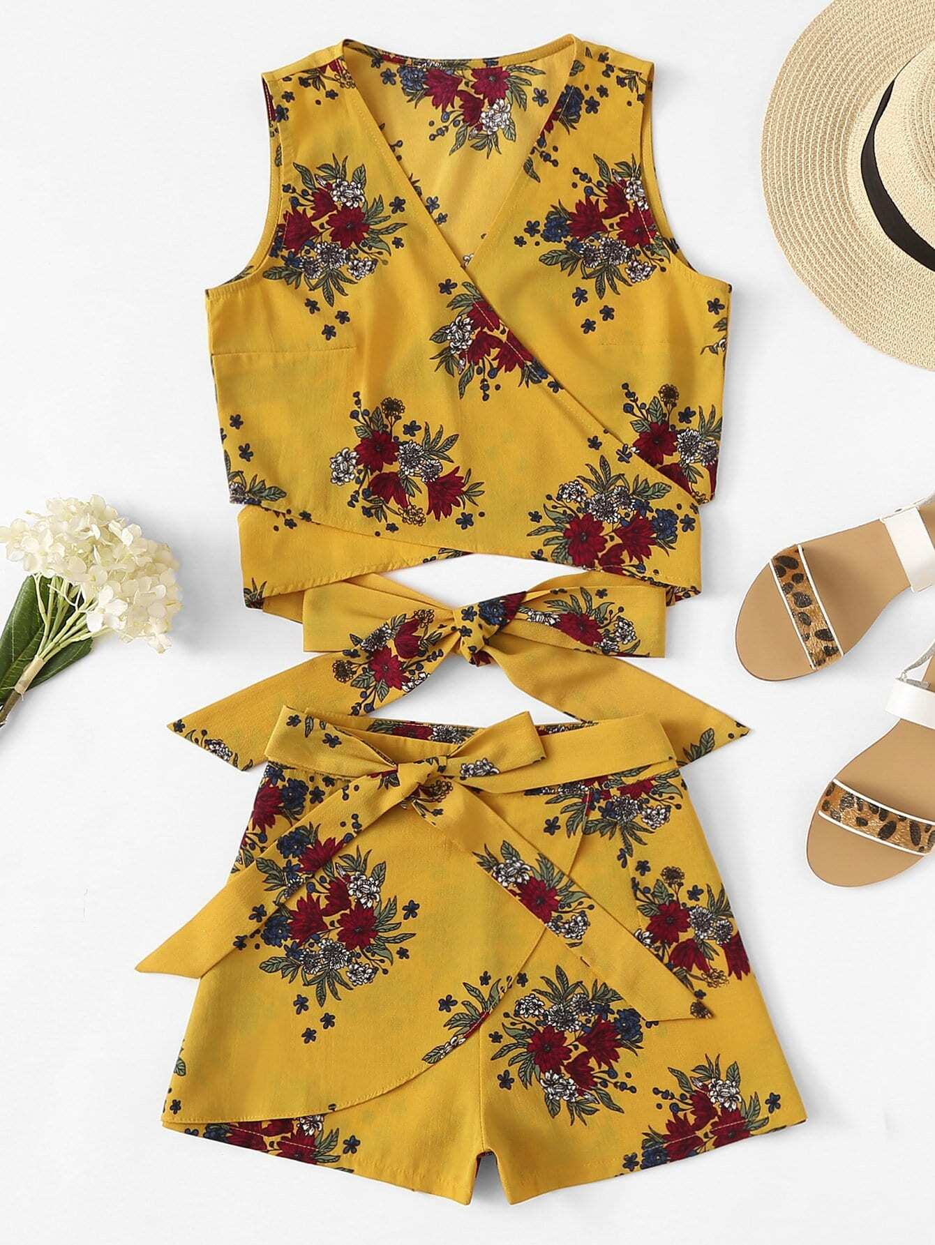 Floral Print Knot Hem Top With Shorts floral applique bowknot top with shorts