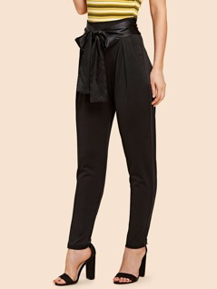 Fold Pleat Detail Tapered Pants