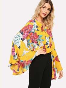 Flower And Crane Print Bell Sleeve Blouse
