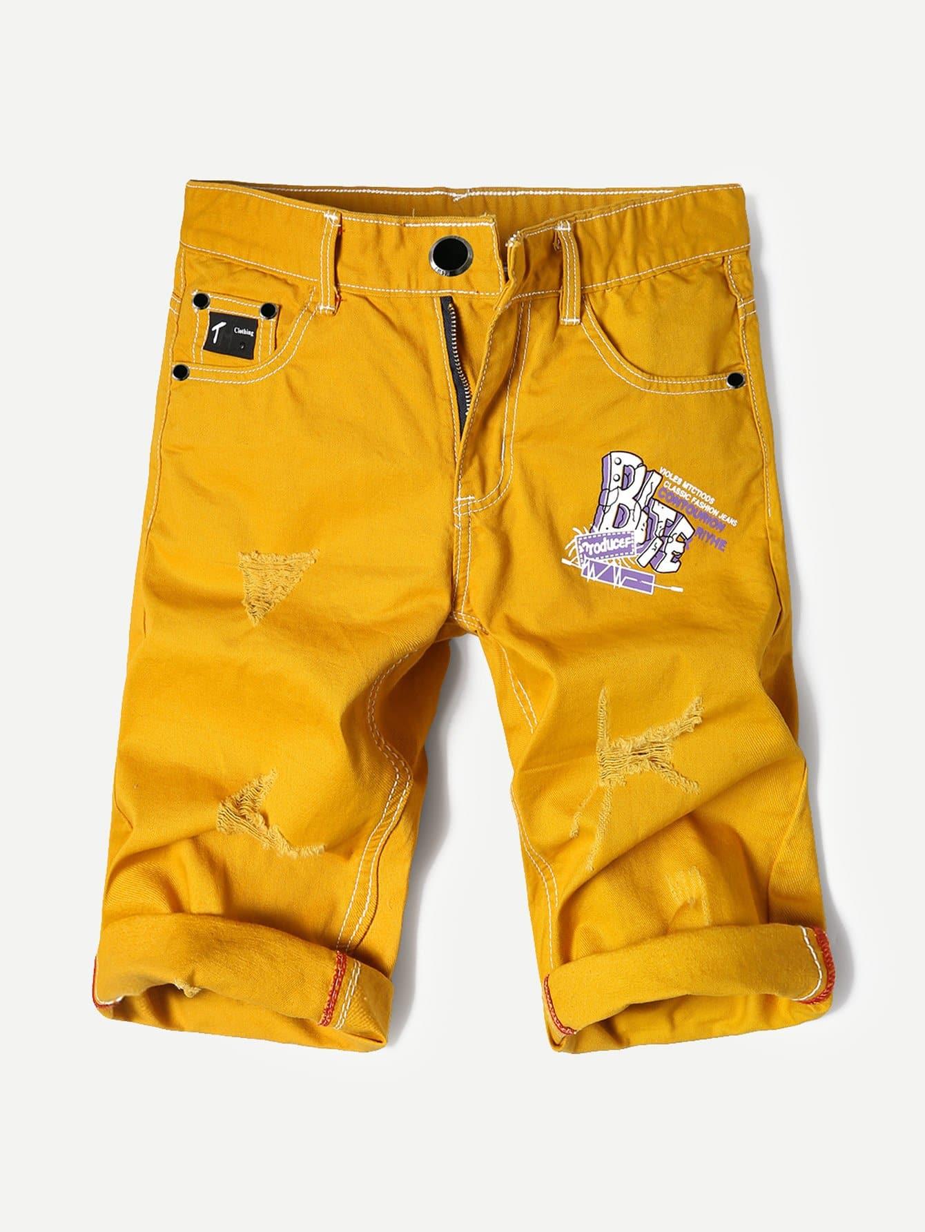 цена на Men Letter Print Ripped Cuffed Denim Shorts