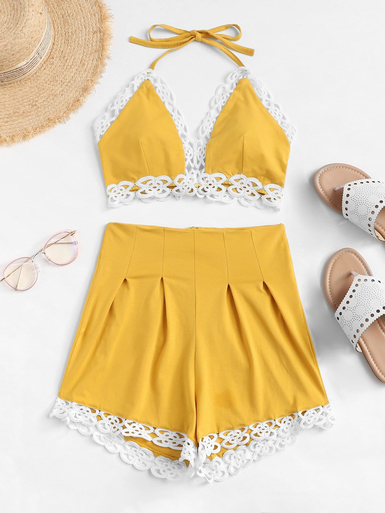 Contrast Lace Halter Top With Shorts