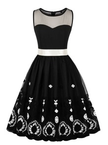Mesh Contrast Bow Front Floral Embroidered Dress