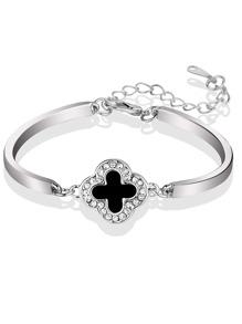 Clover Design Bracelet