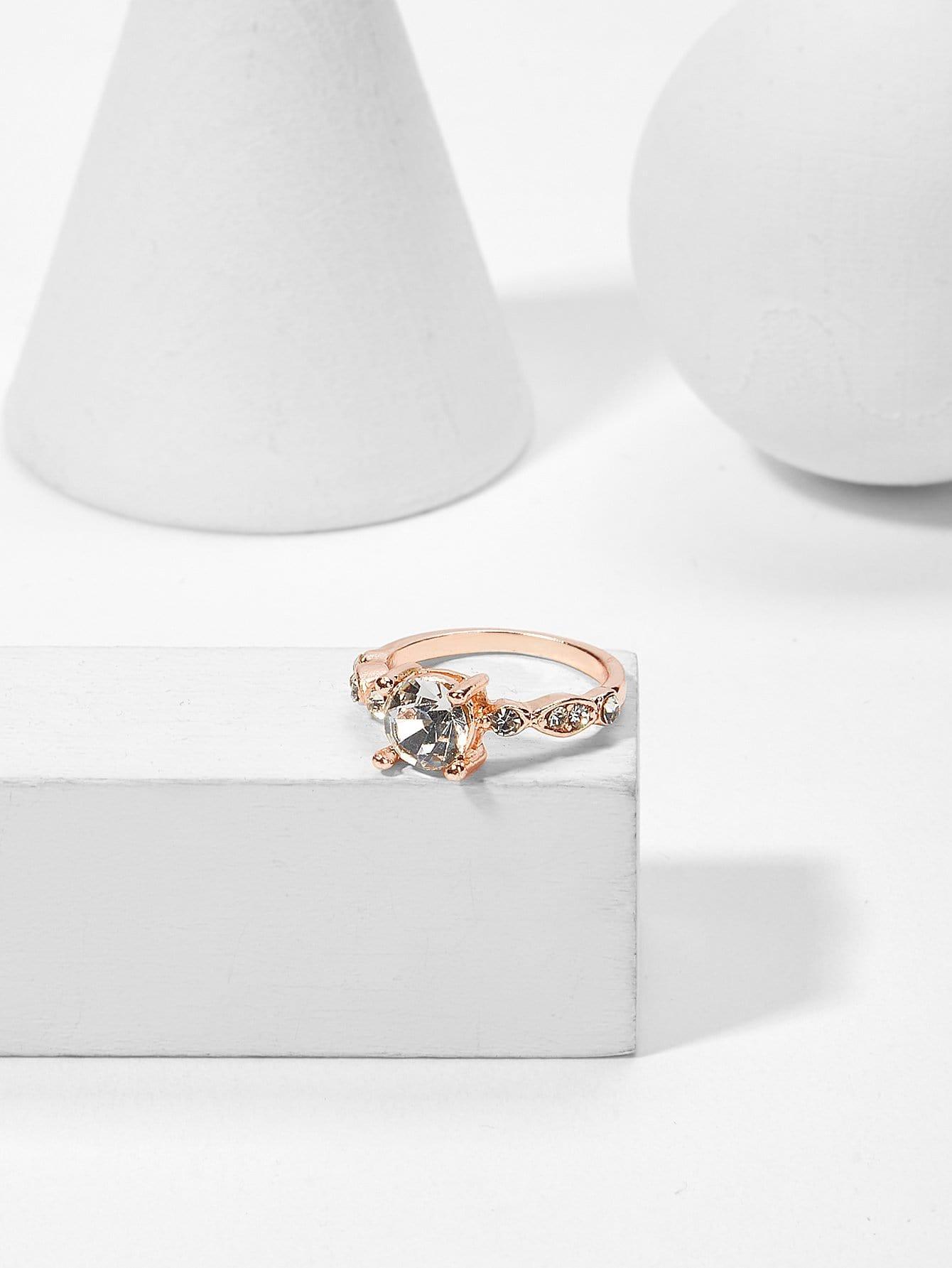 Rhinestone Decorated Ring