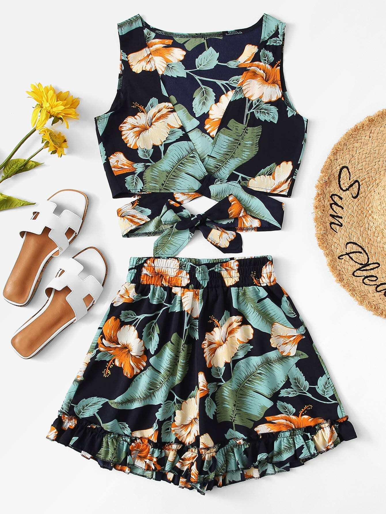 Cut Out Waist Crop Top With Shorts