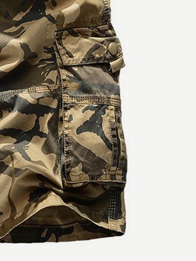 Romwe / Men Pocket Decoration Camo Shorts