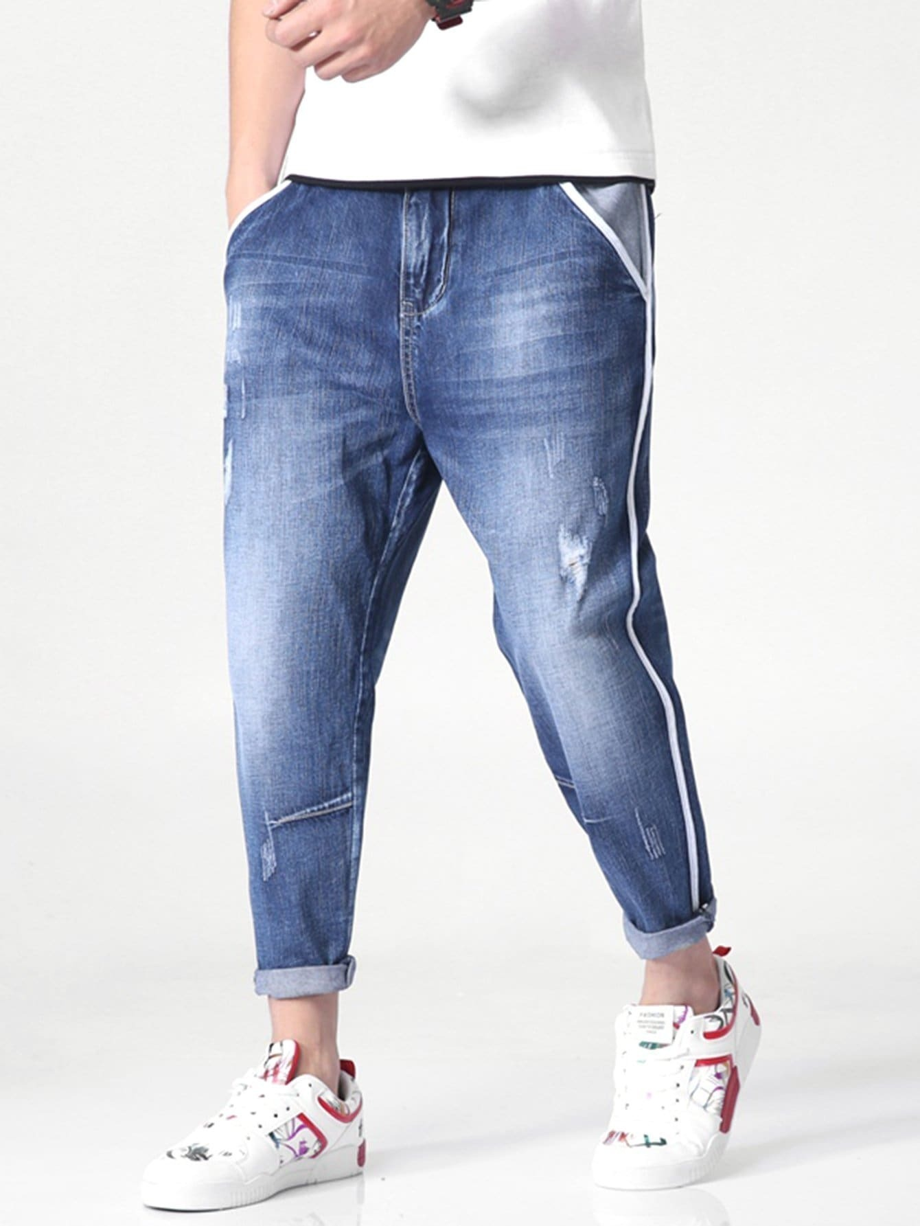 Купить Рваные джинсы с украшением полосы для мужчины, null, SheIn