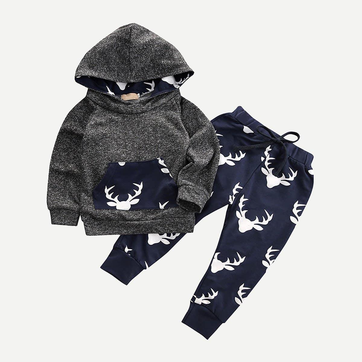 Hoodie met kangoeroezak en broek met hertprint pyjama set