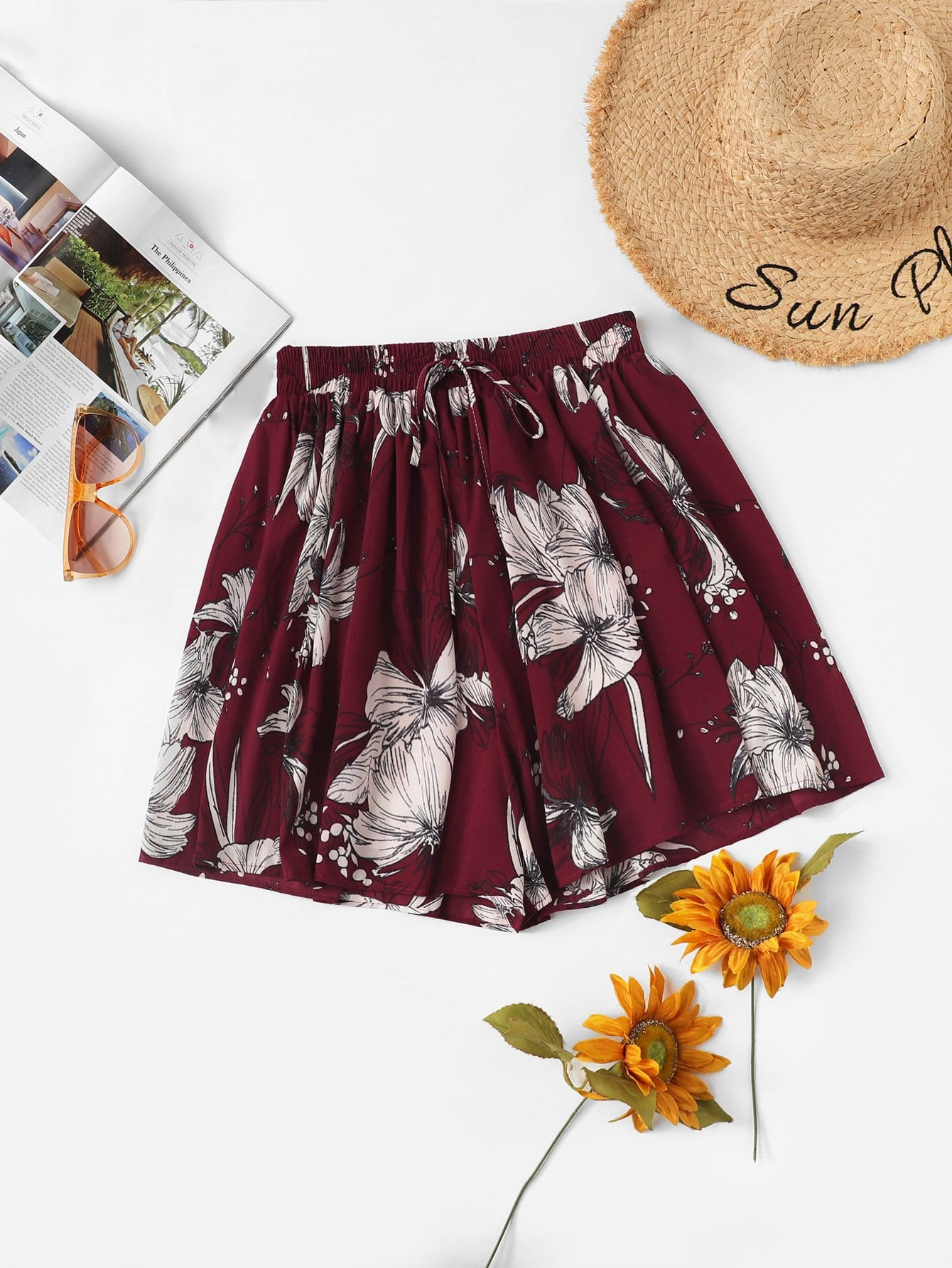 Plus Floral Knot Ruched Shorts null