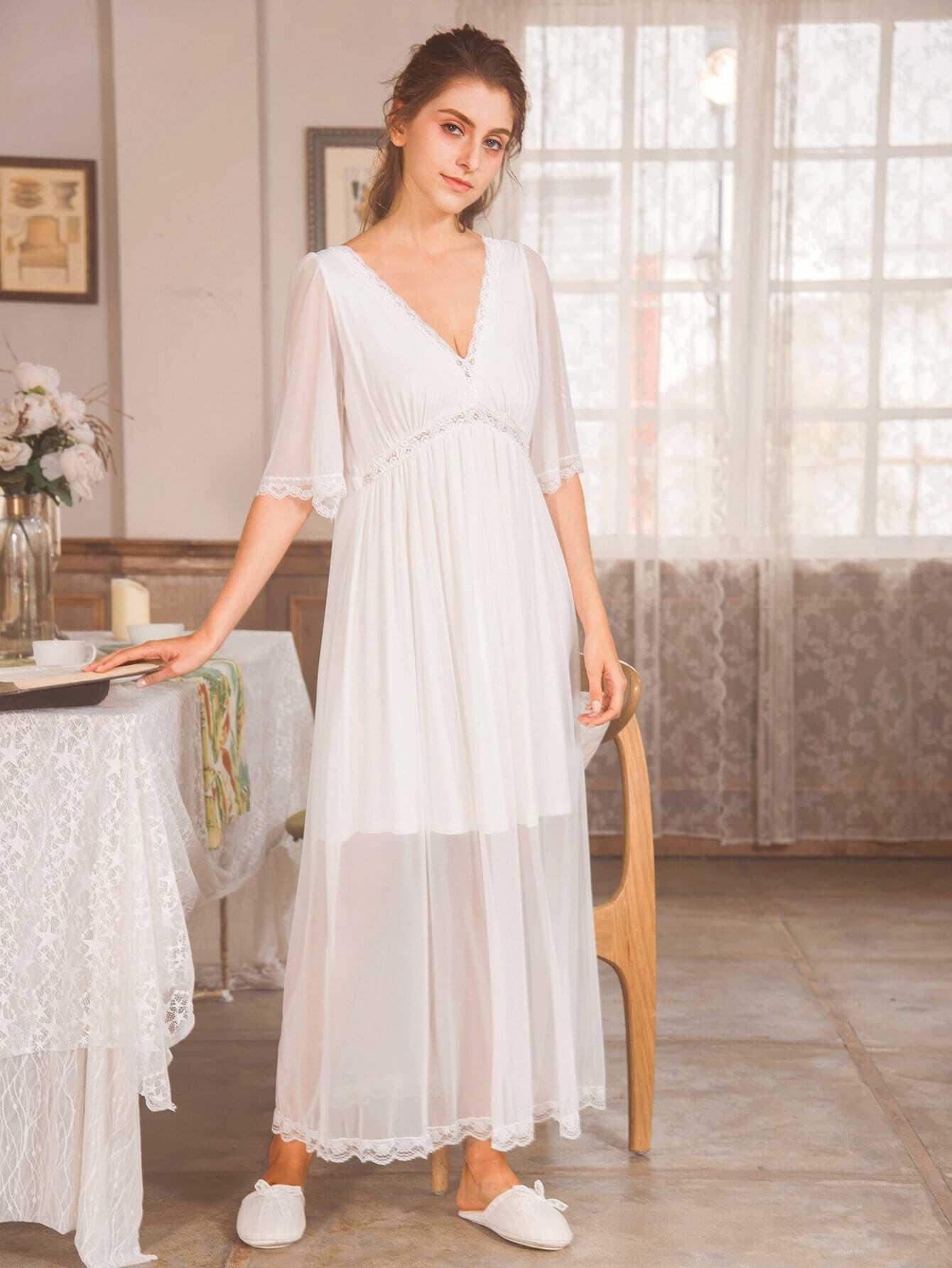 Купить Ситцевая кружевная ночная сорочка с V-образным вырезом, null, SheIn