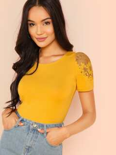 Lace Puff Sleeve Slim Fitted Tee