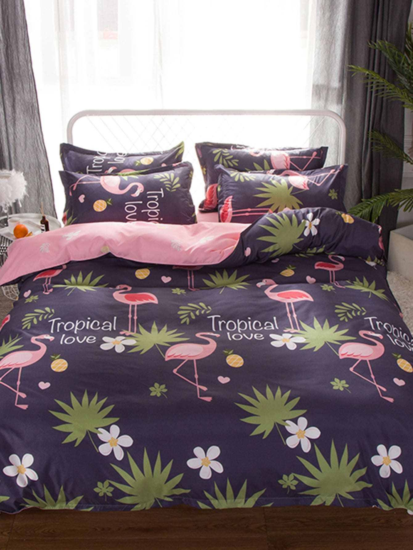 Allover Flamingos & Leaf Print Sheet Set