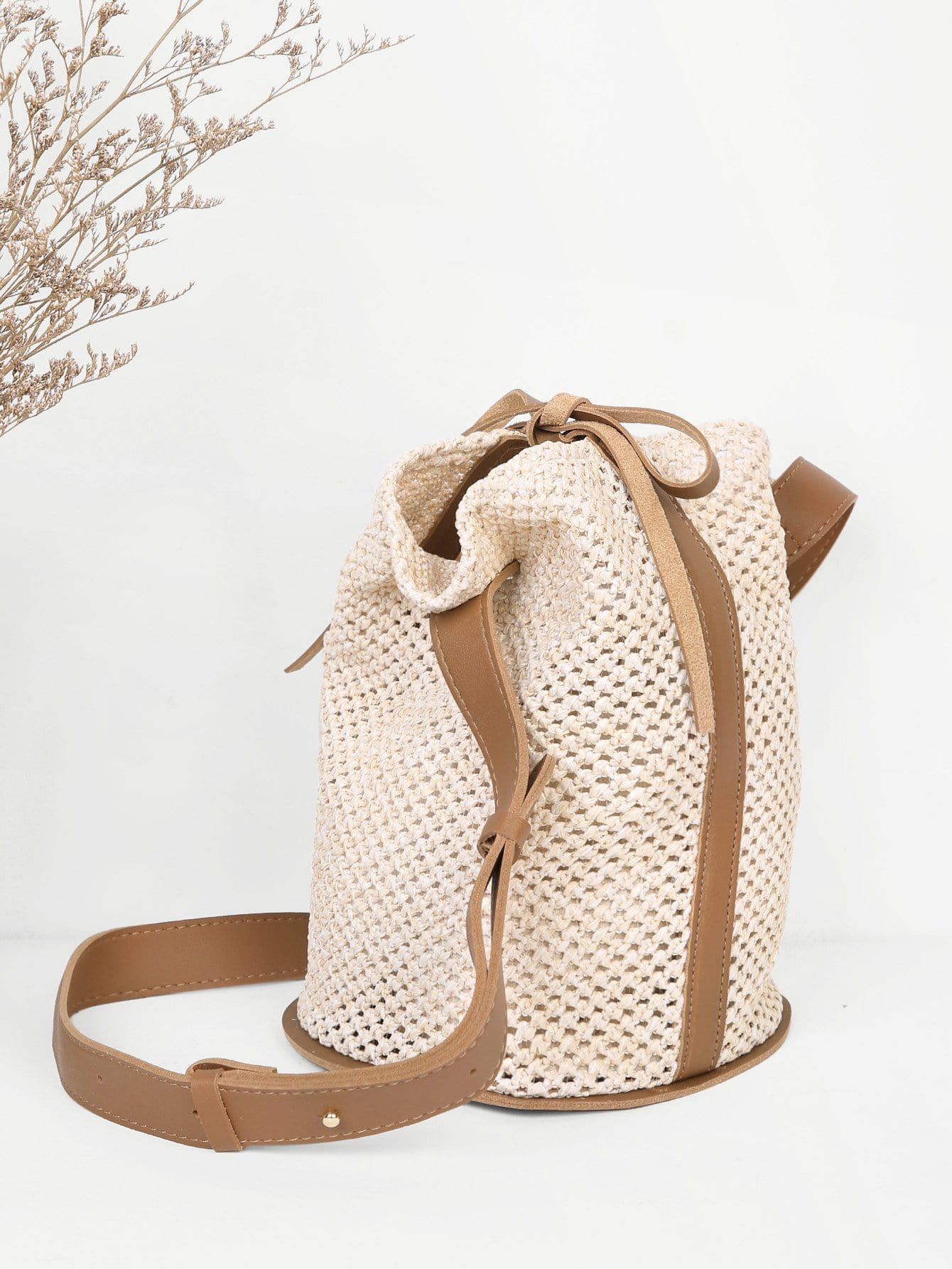 Drawstring Straw Bucket Bag flounce trim straw bucket bag