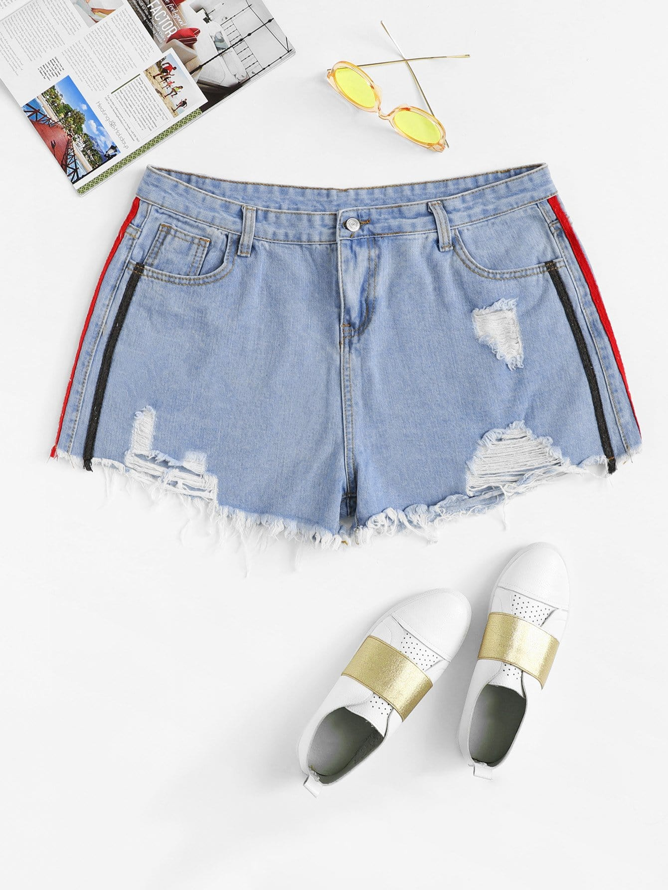 Plus Stripe Contrast Ruffle Hem Denim Shorts