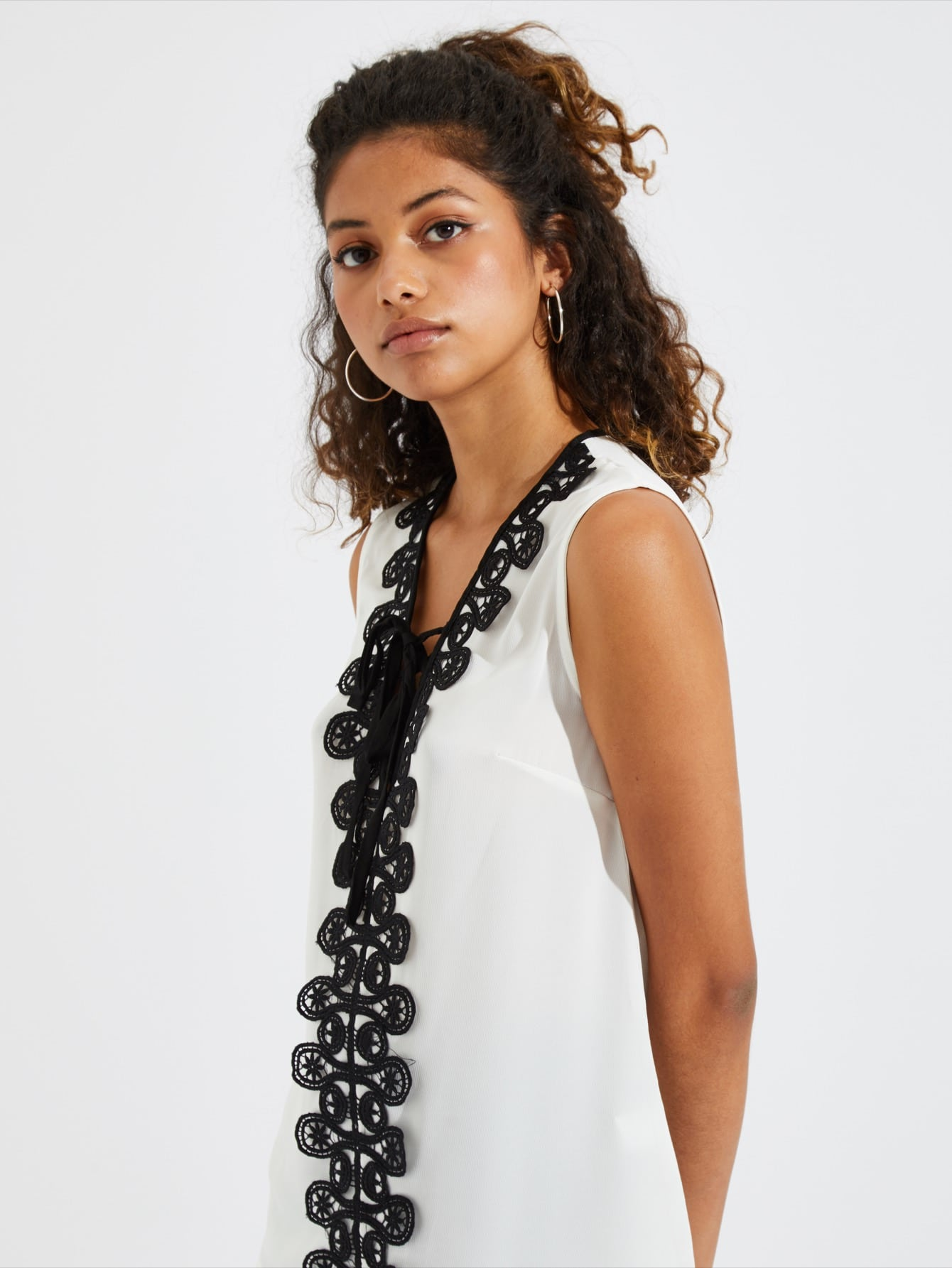 Купить Блузка со симметрическими кружевами, Tiger Barros, SheIn