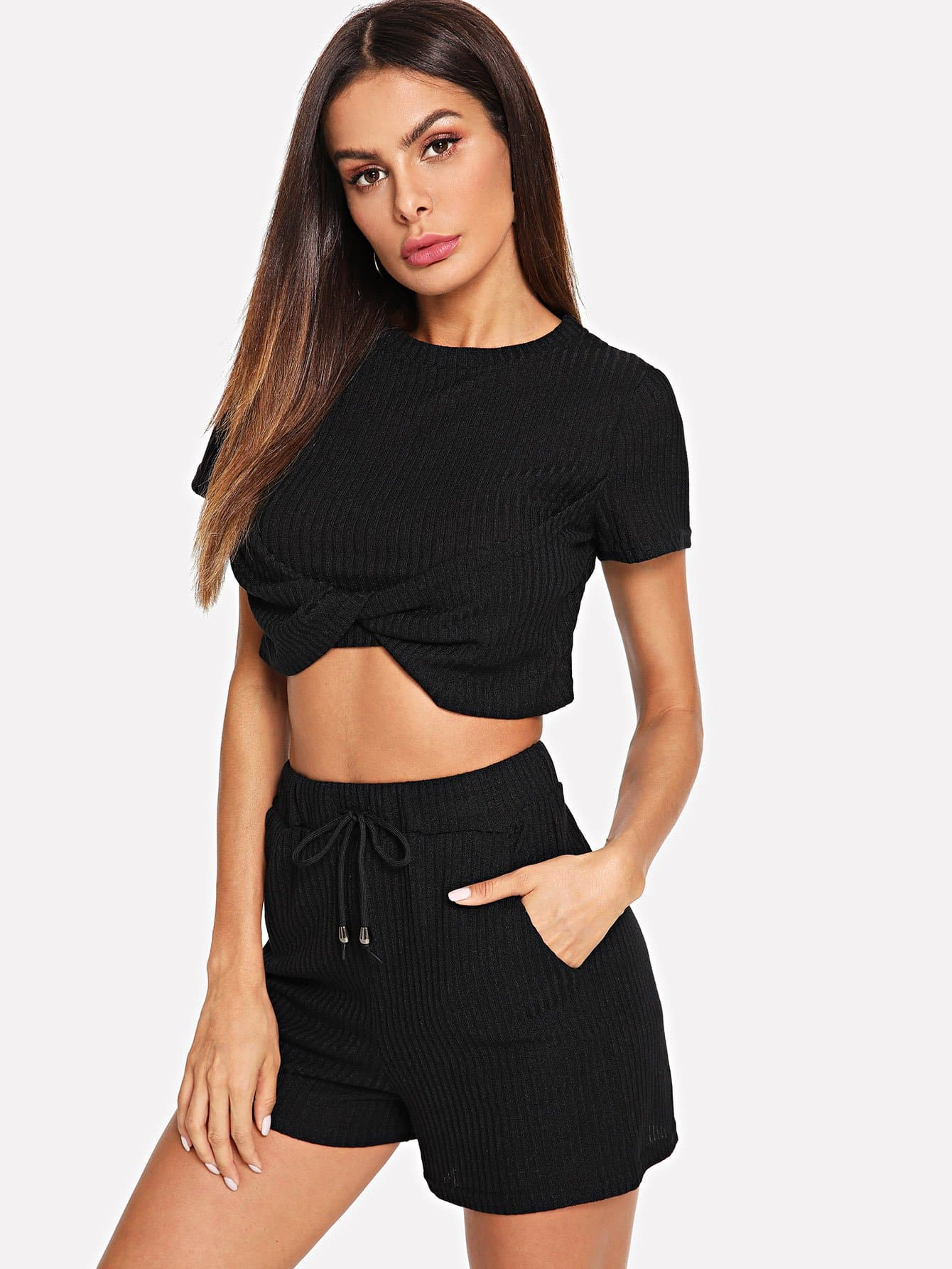 Solid Twist Front Crop Top With Shorts