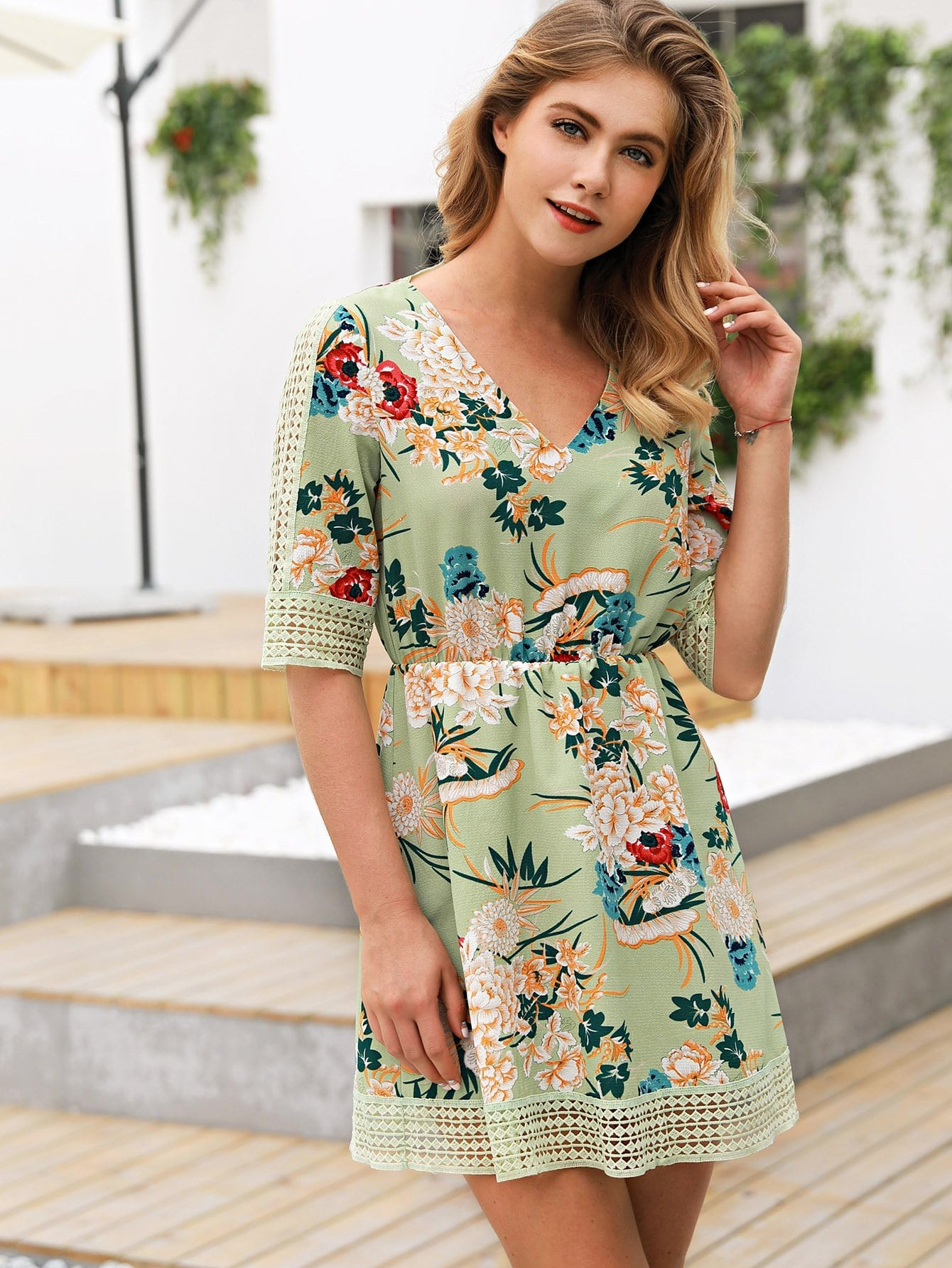 цена на Floral Print Hollow Out Dress
