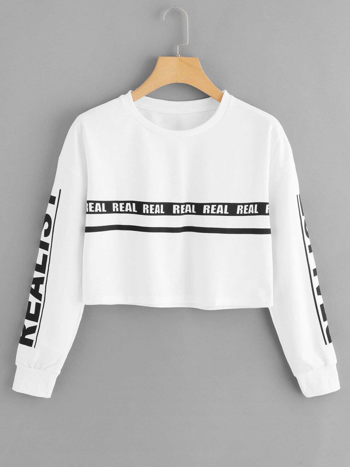 Crop Sweatshirt mit sehr tief angesetzter Schulterpartie und Buchstabenmuster