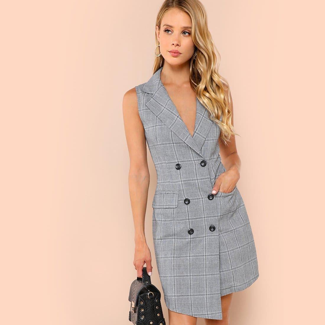 Geruite jurk met dubble rij knopen