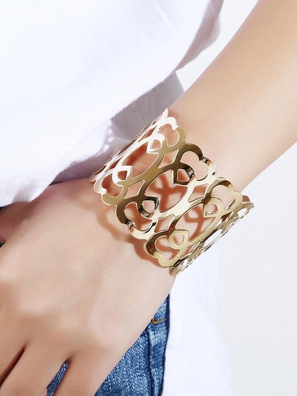 Armband mit Aushöhlen